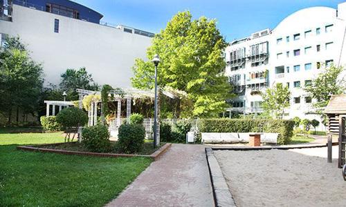 Grünfläche im Hinterhof WG am Lützowplatz